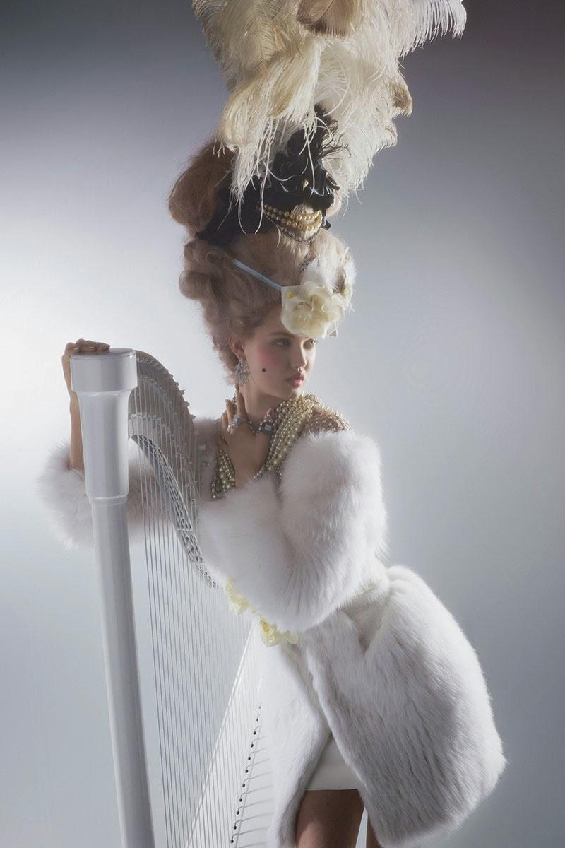 mode - Marie-Antoinette muse de la Mode  - Page 3 Lindse17