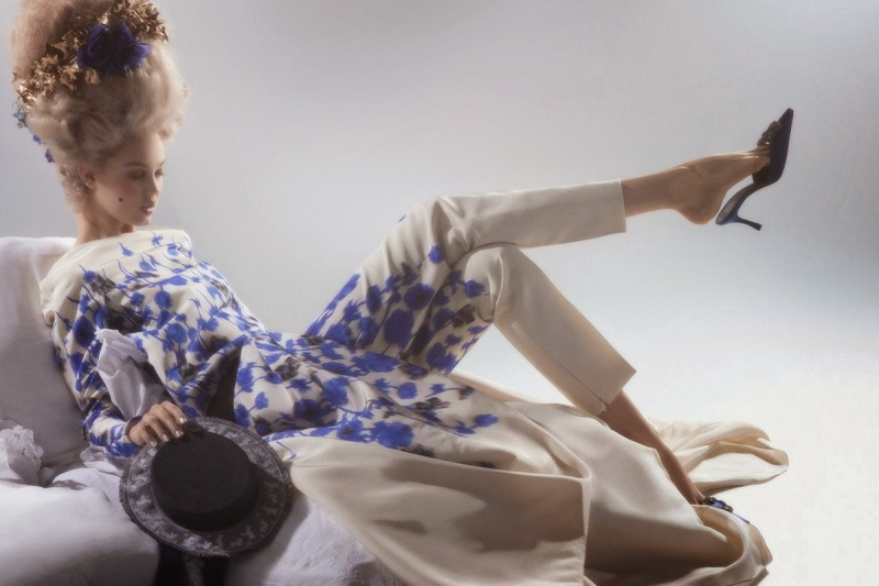 mode - Marie-Antoinette muse de la Mode  - Page 3 Lindse18
