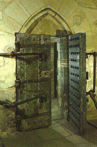 Plans et aménagements du donjon du Temple : la grande tour, la petite tour Porte_10