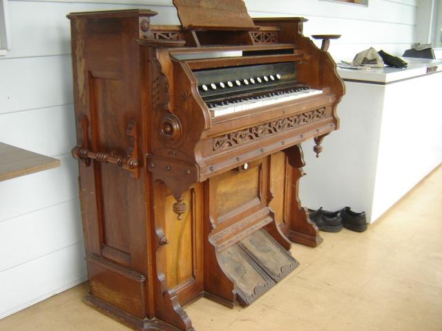 Harmonium D.W. Karn & Co. Harmon11