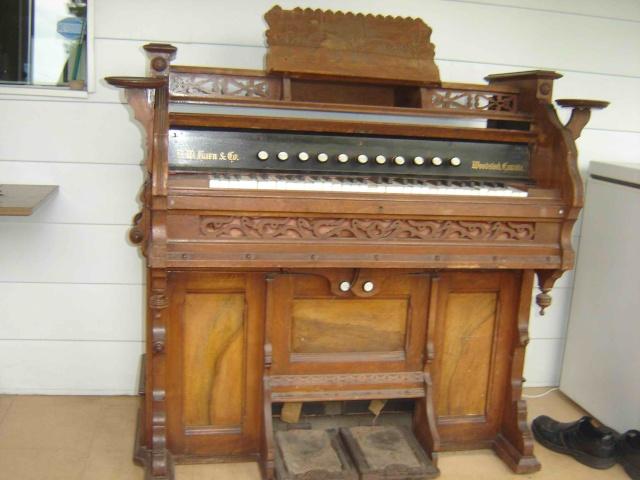 Harmonium D.W. Karn & Co. Harmon12