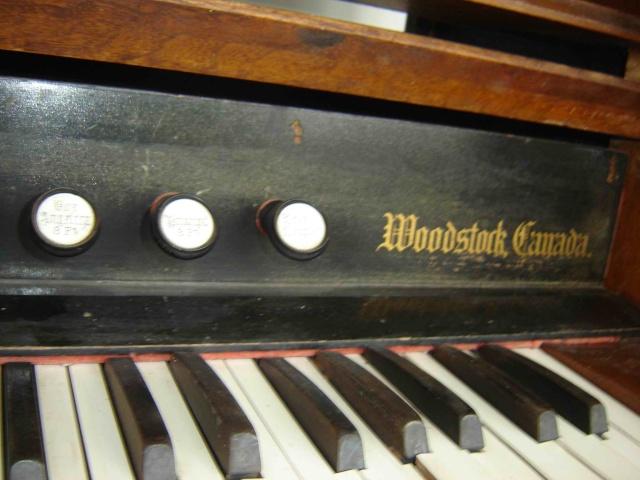 Harmonium D.W. Karn & Co. Harmon13