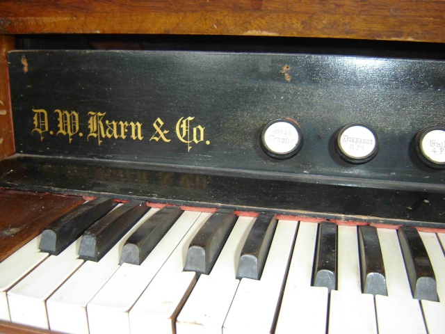 Harmonium D.W. Karn & Co. Harmon14