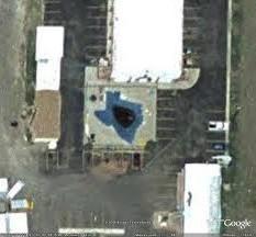 Les piscines du Monde découvertes avec Google Earth - Page 2 Sans_422