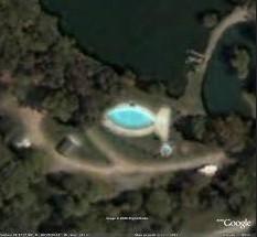 Les piscines du Monde découvertes avec Google Earth - Page 2 Sans_425