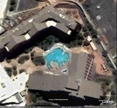 Les piscines du Monde découvertes avec Google Earth - Page 2 Sans_426