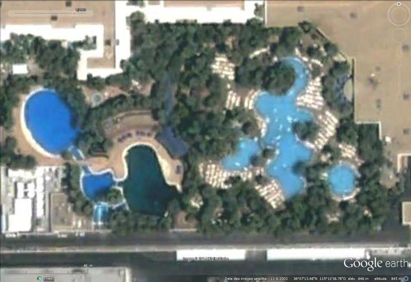 Les piscines du Monde découvertes avec Google Earth - Page 2 Sans_445