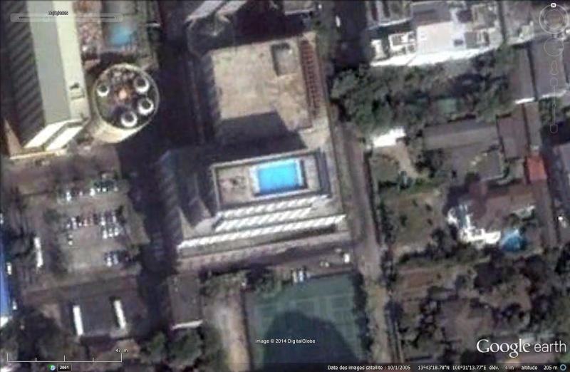 Les piscines du Monde découvertes avec Google Earth - Page 2 Sans_453