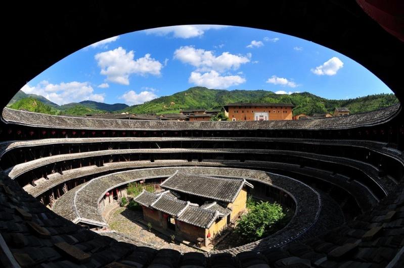 """Les """"Tulou"""", habitations traditionnelles des Hakkas du Fujian - Chine Sans_498"""