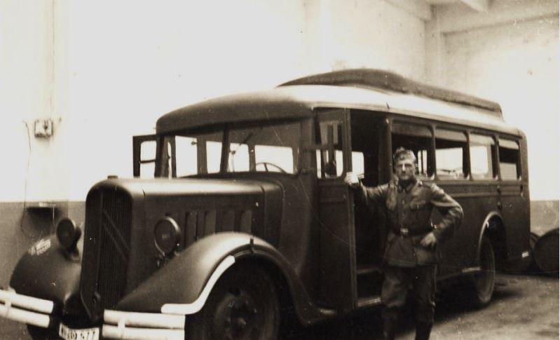 Photos de Citroën pendant la Seconde Guerre Mondiale - Page 12 Capt1666