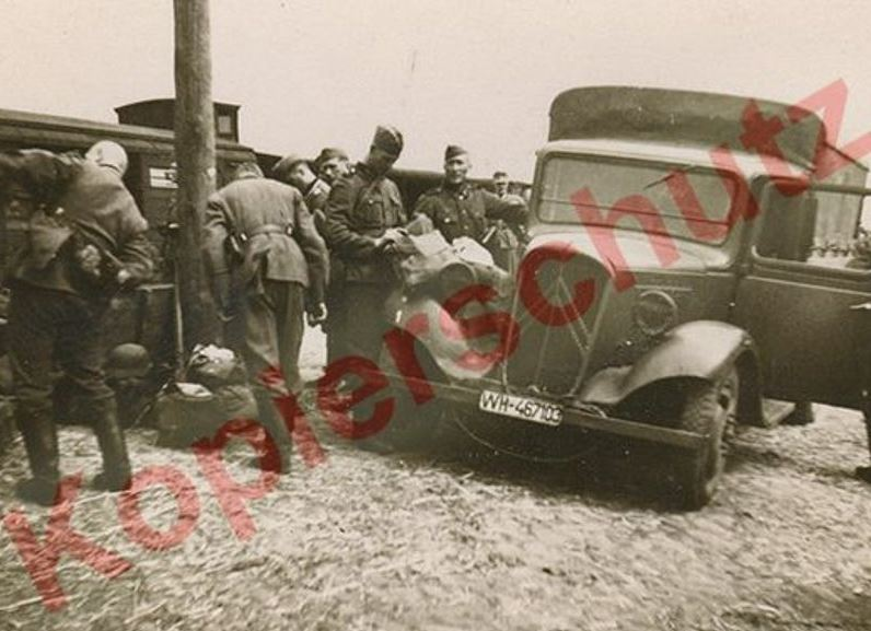 Photos de Citroën pendant la Seconde Guerre Mondiale - Page 12 Capt1668