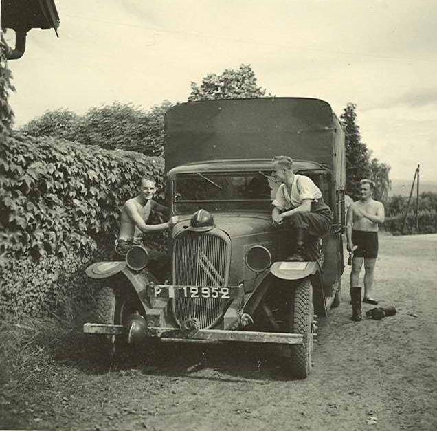 Photos de Citroën pendant la Seconde Guerre Mondiale - Page 12 Capt1670