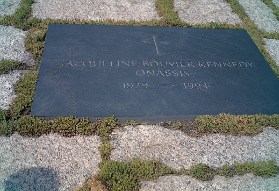 JACQUELINE BOUVIER DE KENNEDY ONASSIS Jb10