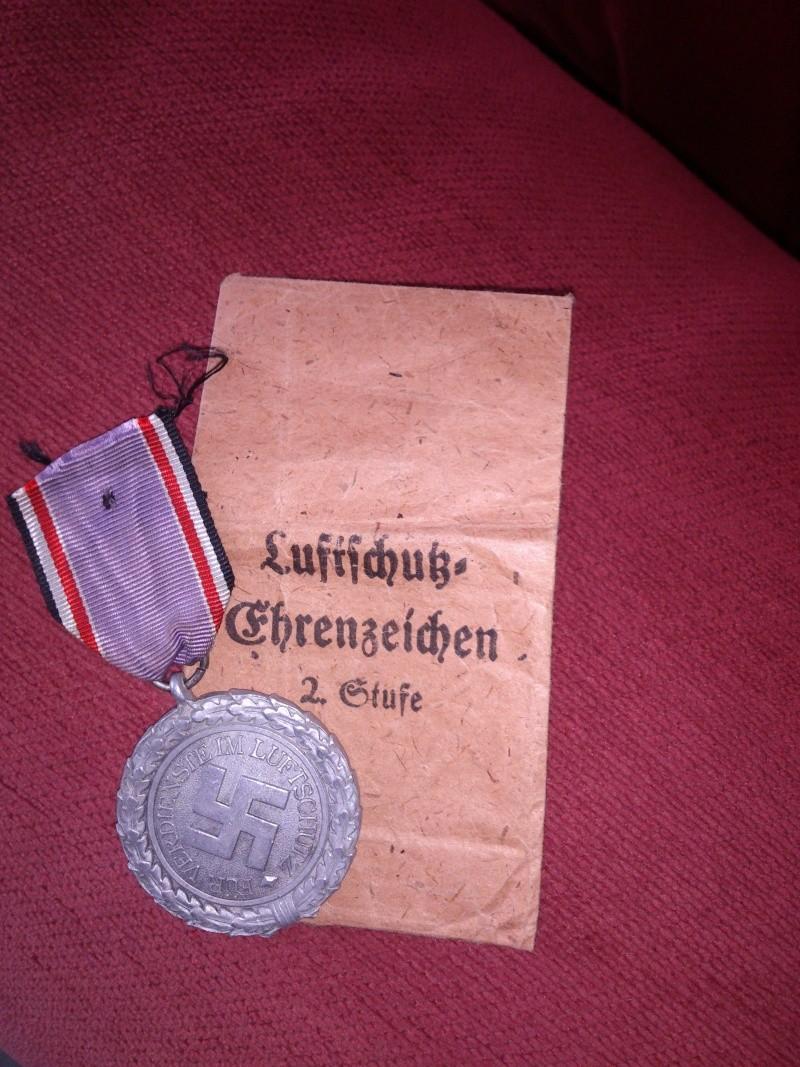 Vos décorations militaires, politiques, civiles allemandes de la ww2 - Page 5 Dsc_0212