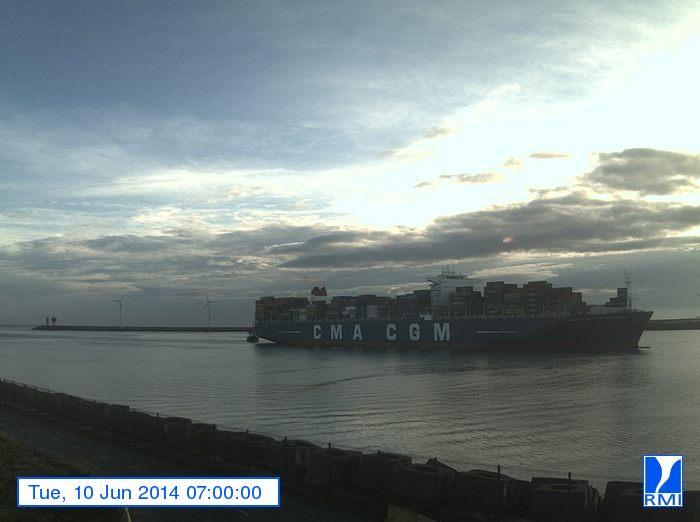 Photos en direct du port de Zeebrugge (webcam) - Page 62 Zeebru25