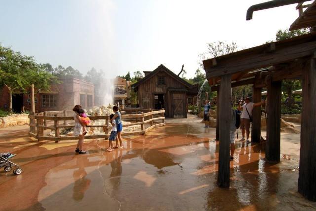 A la découverte d'Hong Kong Disneyland Resort : mes impressions Grizzl12