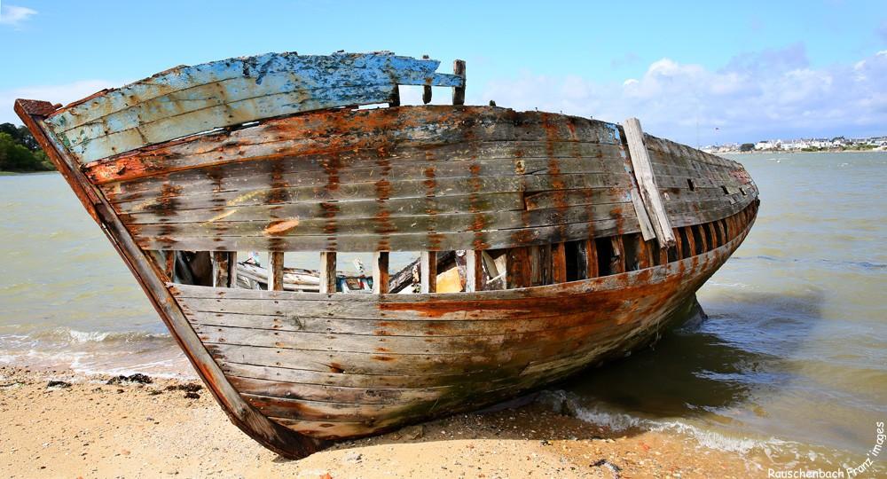 Fin de vie .... Cimetières de bateaux .... - Page 5 1v4b4810