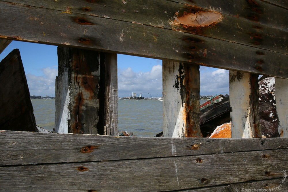 Fin de vie .... Cimetières de bateaux .... - Page 5 1v4b4811