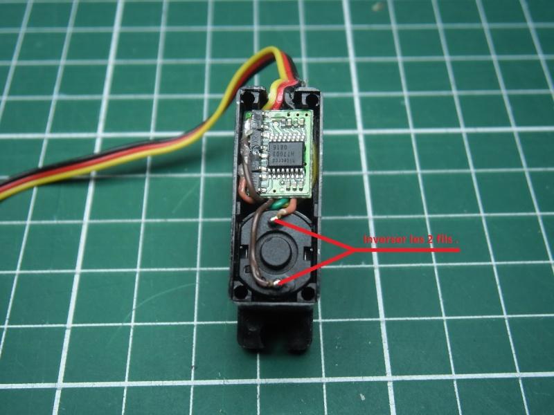 Inverser le sens de rotation d'un servo . P8030010