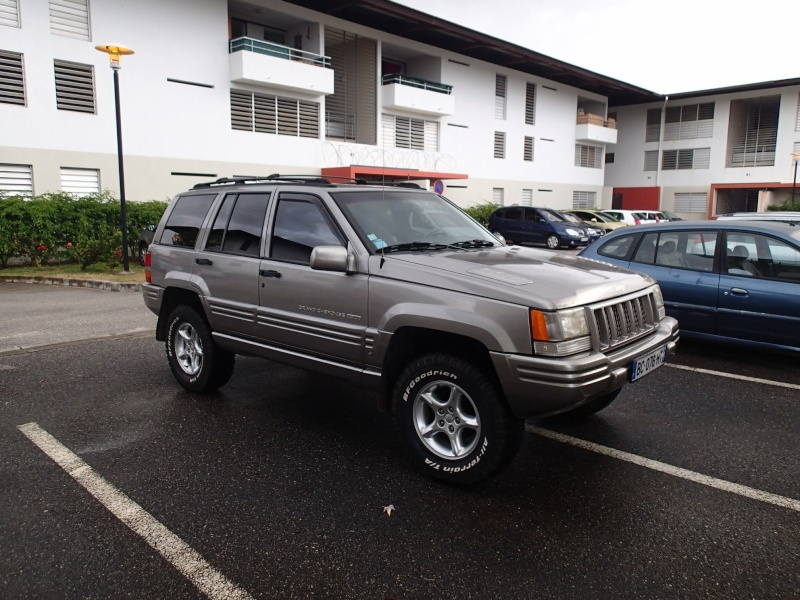 A vendre GRAND CHEROKEE ZJ 5.9L Limited P3221011