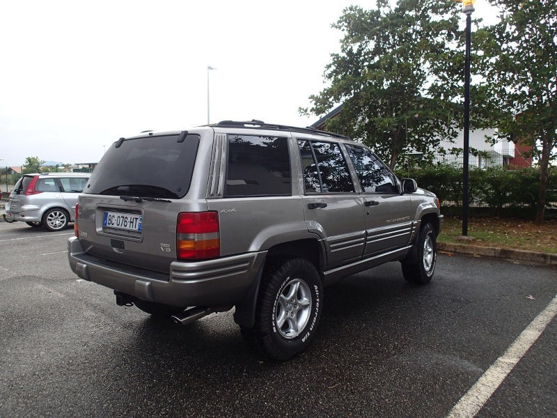 A vendre GRAND CHEROKEE ZJ 5.9L Limited P3221012