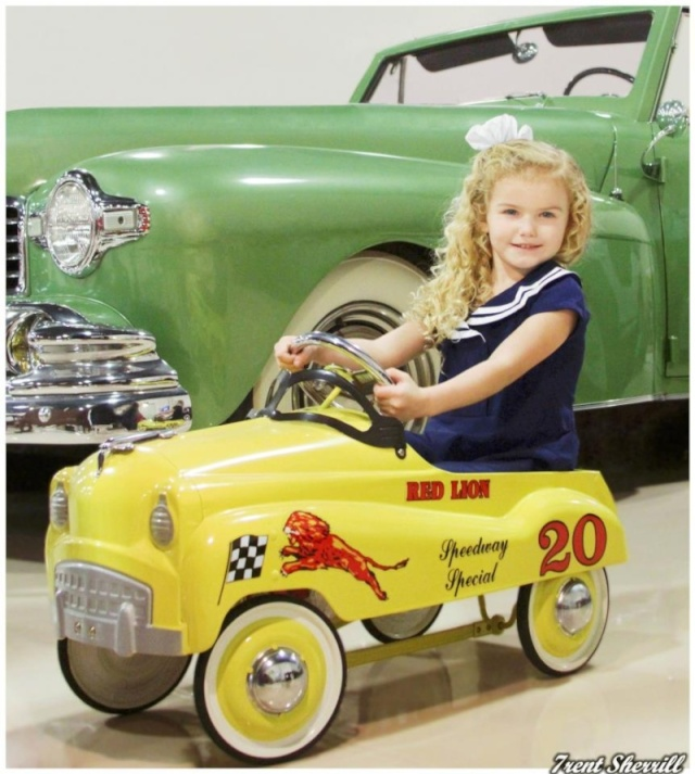 PEDAL CARS - Page 5 58069310