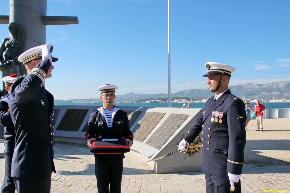 [Les traditions dans la marine] Remise du Sabre 0831