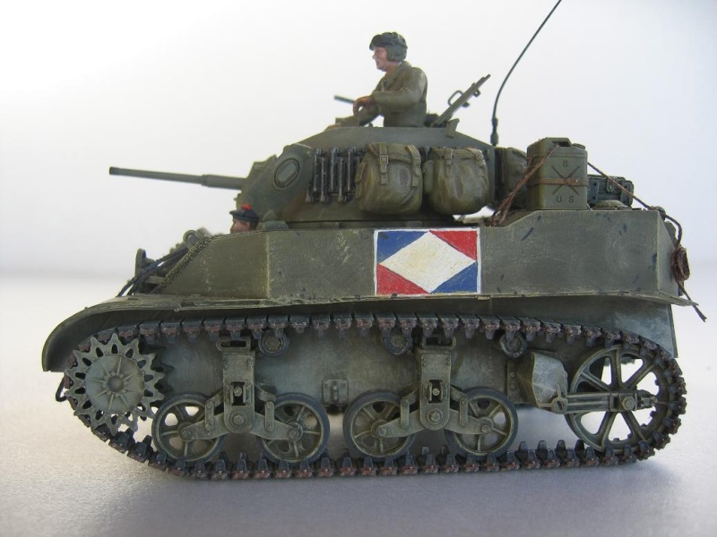 US light tank M5A1 Tamiya - Willys Jeep with trailer Italeri les deux au 1/35e 40-pho10