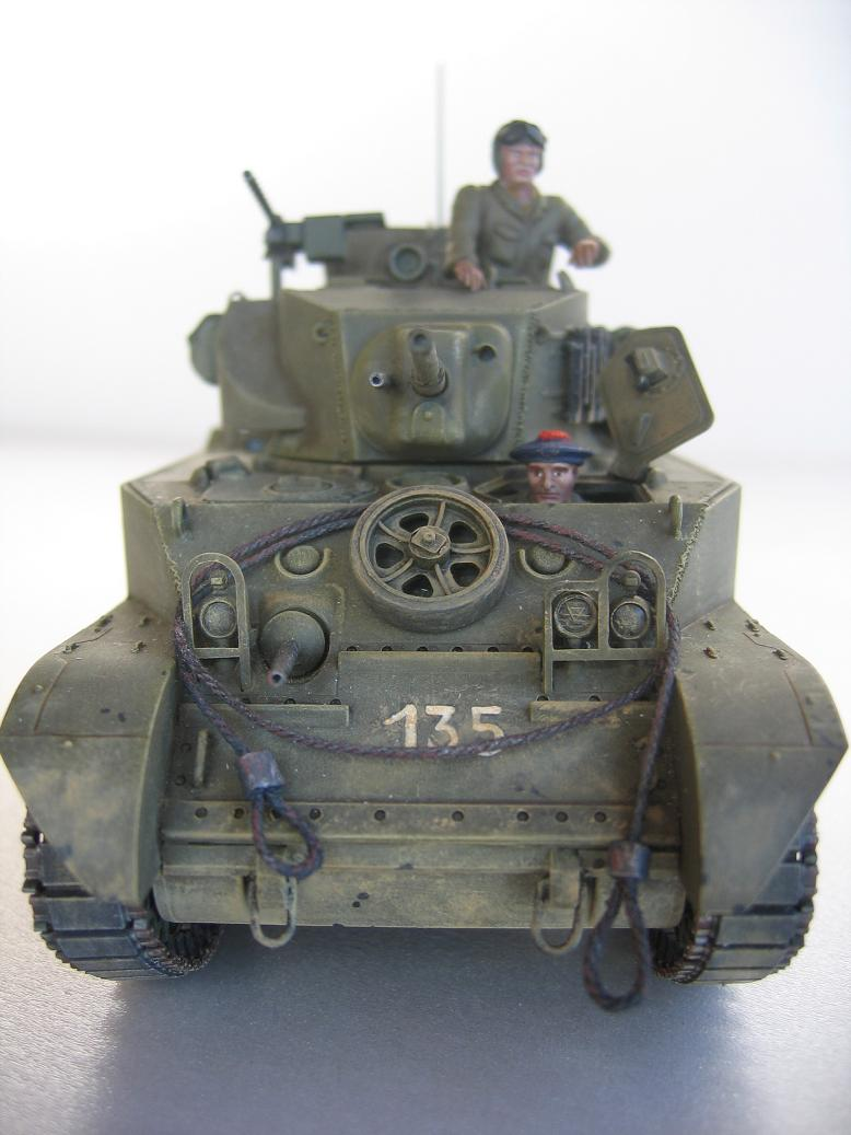 US light tank M5A1 Tamiya - Willys Jeep with trailer Italeri les deux au 1/35e 40-pho14