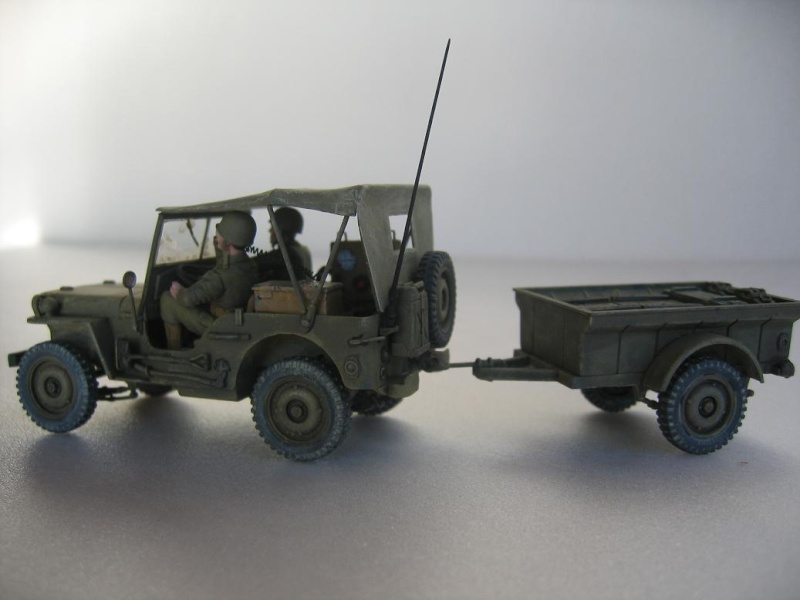 US light tank M5A1 Tamiya - Willys Jeep with trailer Italeri les deux au 1/35e 40-pho21