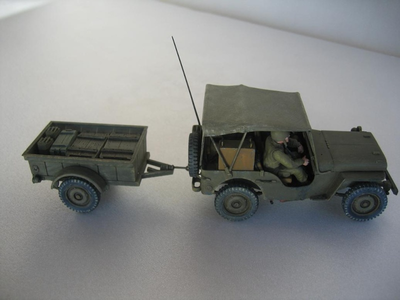 US light tank M5A1 Tamiya - Willys Jeep with trailer Italeri les deux au 1/35e 40-pho25
