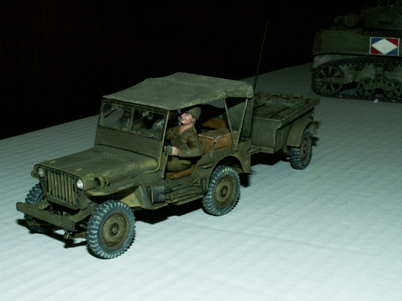 US light tank M5A1 Tamiya - Willys Jeep with trailer Italeri les deux au 1/35e Combat15