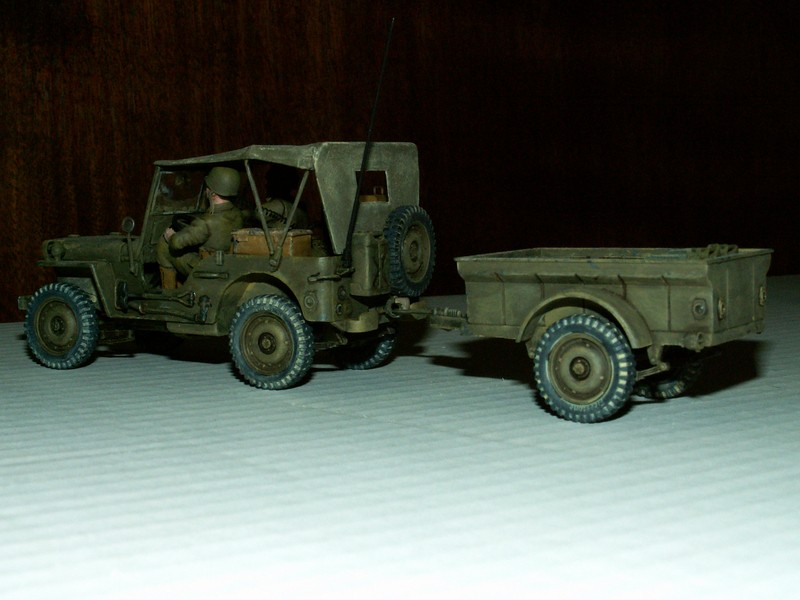 US light tank M5A1 Tamiya - Willys Jeep with trailer Italeri les deux au 1/35e Combat16