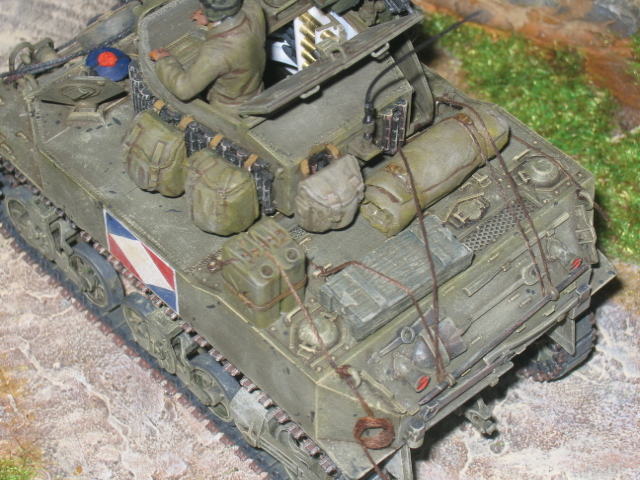 US light tank M5A1 Tamiya - Willys Jeep with trailer Italeri les deux au 1/35e Photo_28