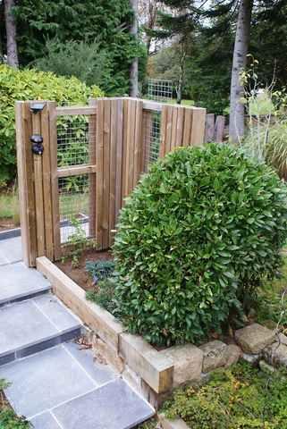 42 - La pierre, le bois, le fer... au jardin...  Photos reçues - Page 3 14102310