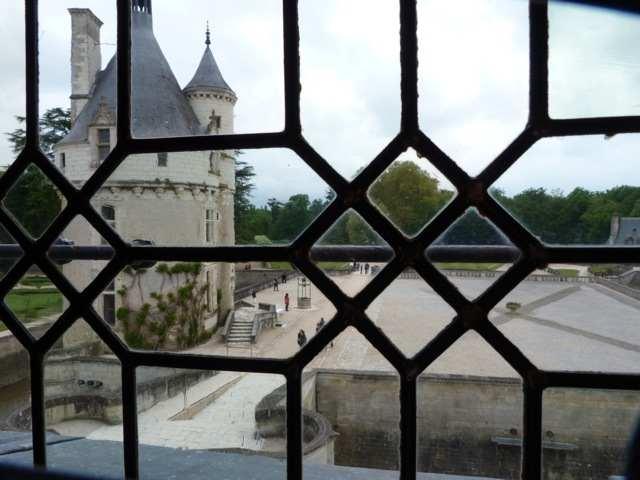 41 - Le jardin vu d'une fenêtre... photos reçues P1060510