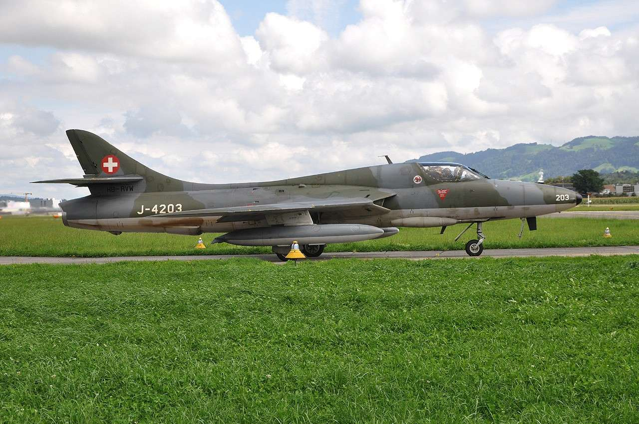 AIR14 à Emmen Hb-rvw10