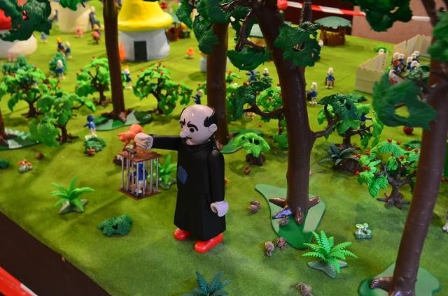 le village playmobil-schtroumpf Sctrou10