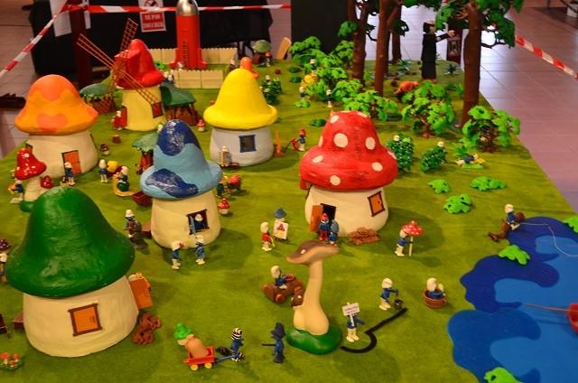 le village playmobil-schtroumpf Sctrou11