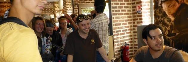 [Article] Dédicace du Visiteur du Futur à Lyon (Septembre 2014) Dedica10