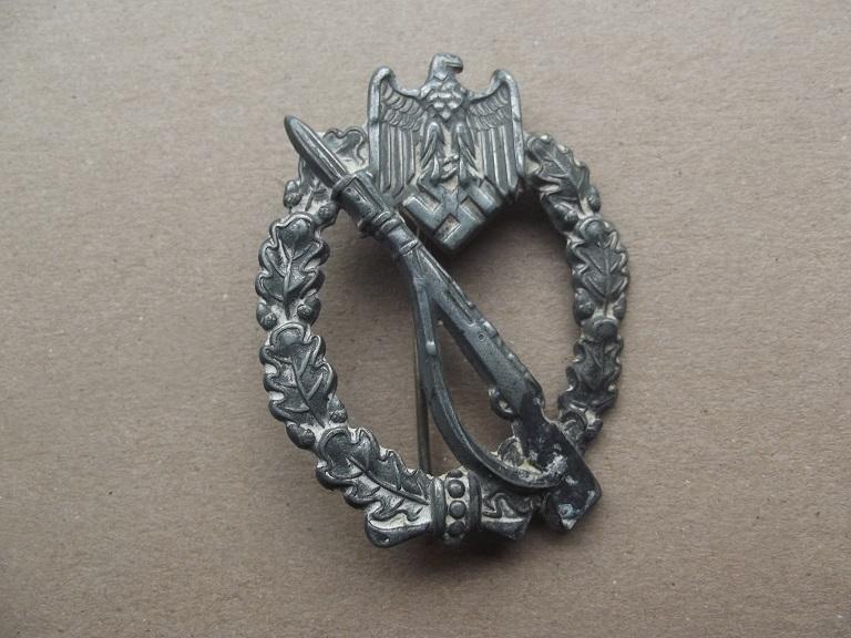 badge assault infanterie argent Dscf0210