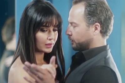 """سميرة سعيد """"بحس بامان"""" mp3 تتر مسلسل """"سيرة حب"""" Samira10"""