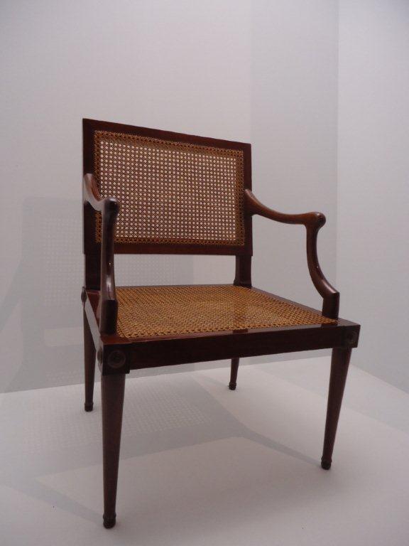 Le 18e aux sources du design, chefs d'oeuvre du mobilier - Page 3 Dsc00417
