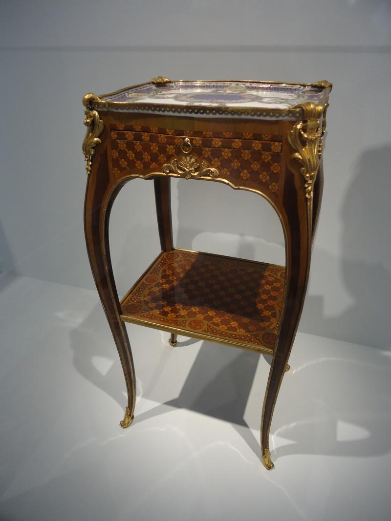 Le 18e aux sources du design, chefs d'oeuvre du mobilier - Page 3 Dsc00420