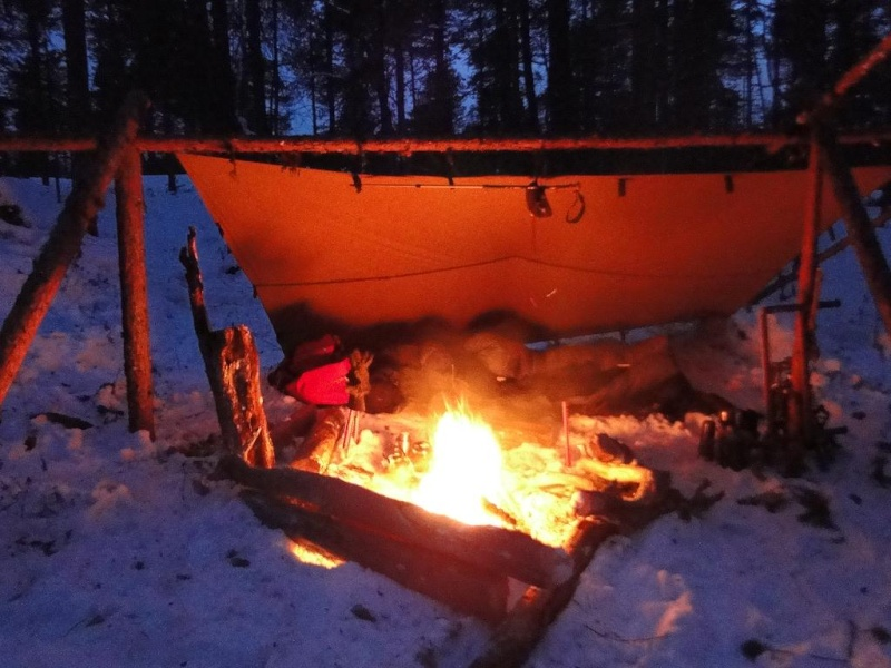 [configuration] Le materiel pour le grand froid: section abri, chauffage.... Camp_210