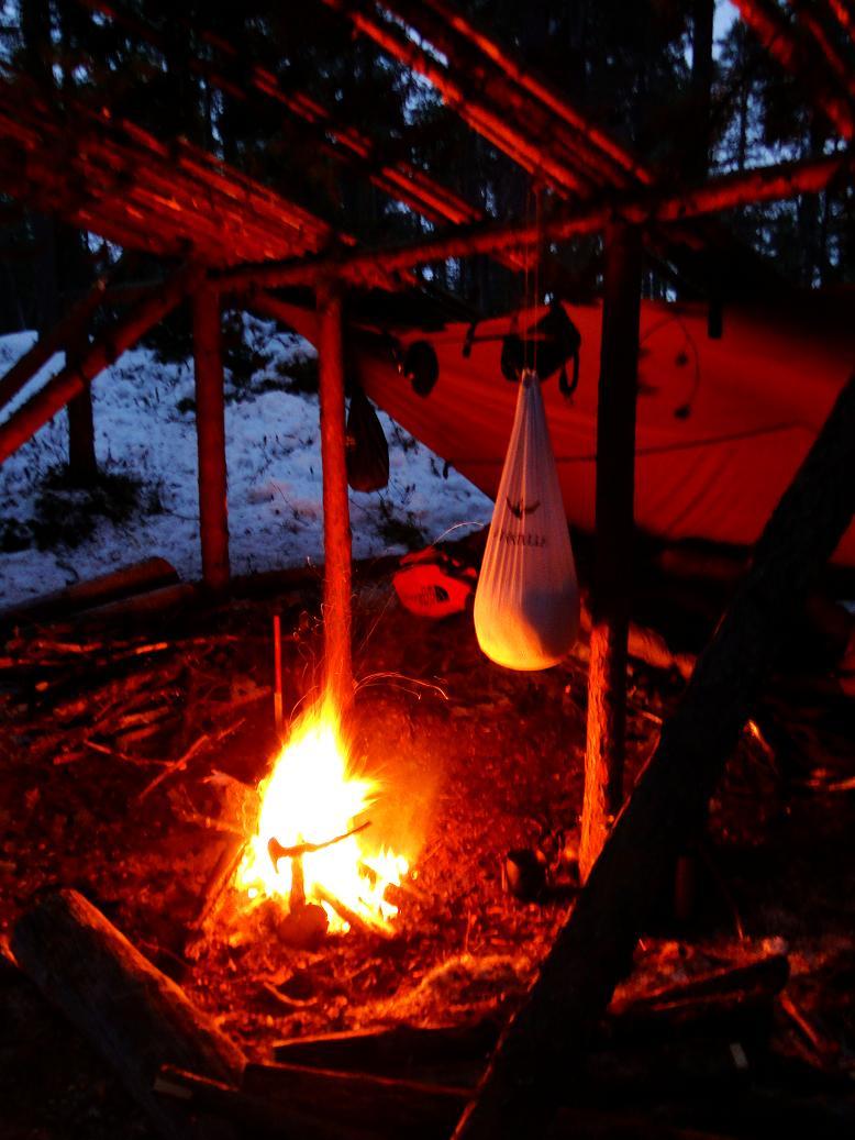 [configuration] Le materiel pour le grand froid: section abri, chauffage.... Sac110