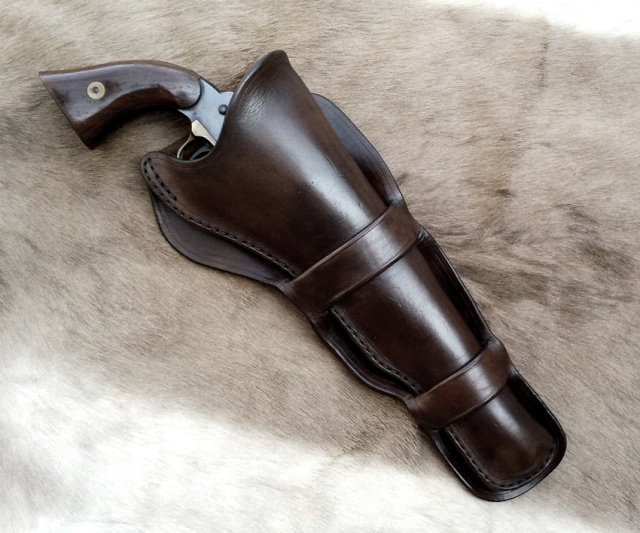 Holsters longs juste terminés... Ow185810