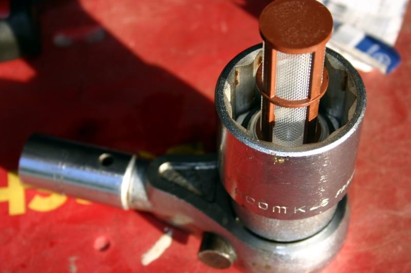 [TUTO] Changement crépine de réservoir de gazole 300 TD W210. Img_3011
