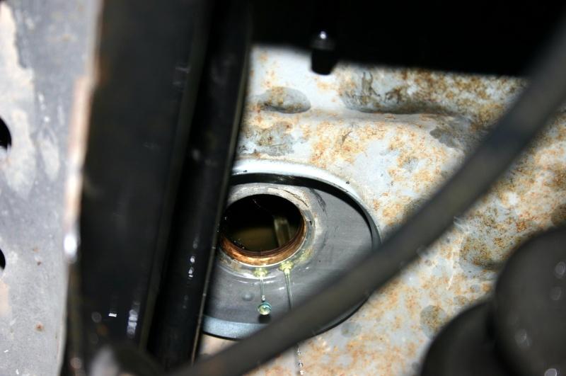 [TUTO] Changement crépine de réservoir de gazole 300 TD W210. Img_3018