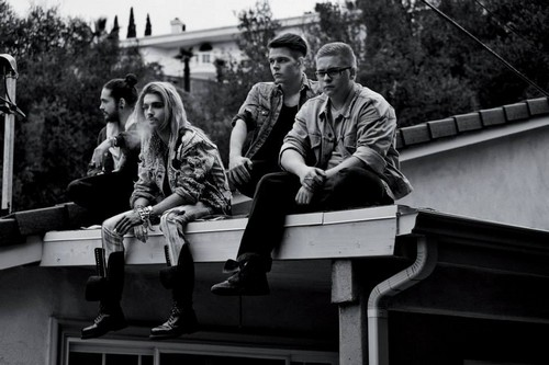 Photoshoot pour l'album « Kings of Suburbia » 10671210